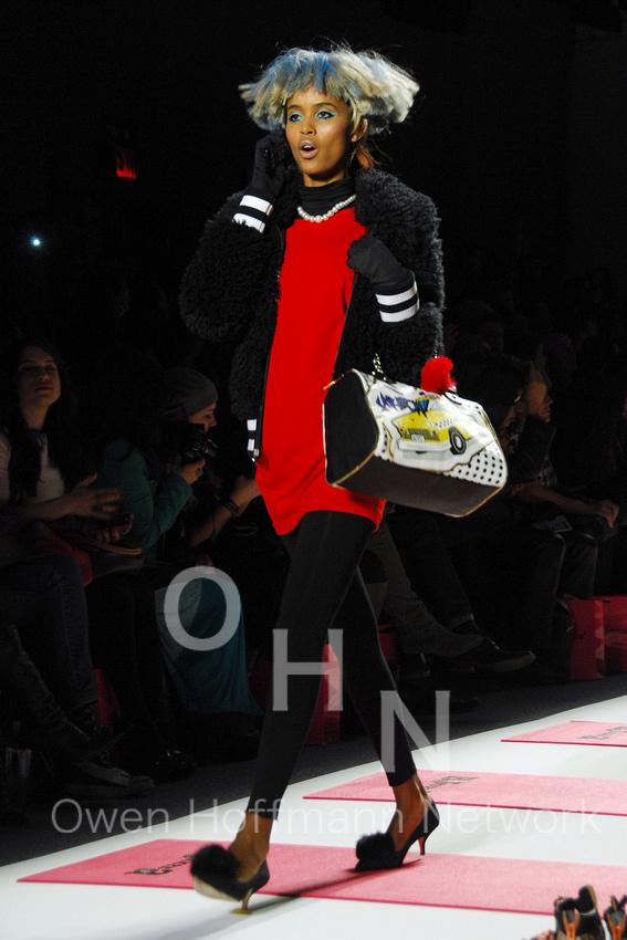 BETSEY JOHNSON F/W 2013 Fashion Show